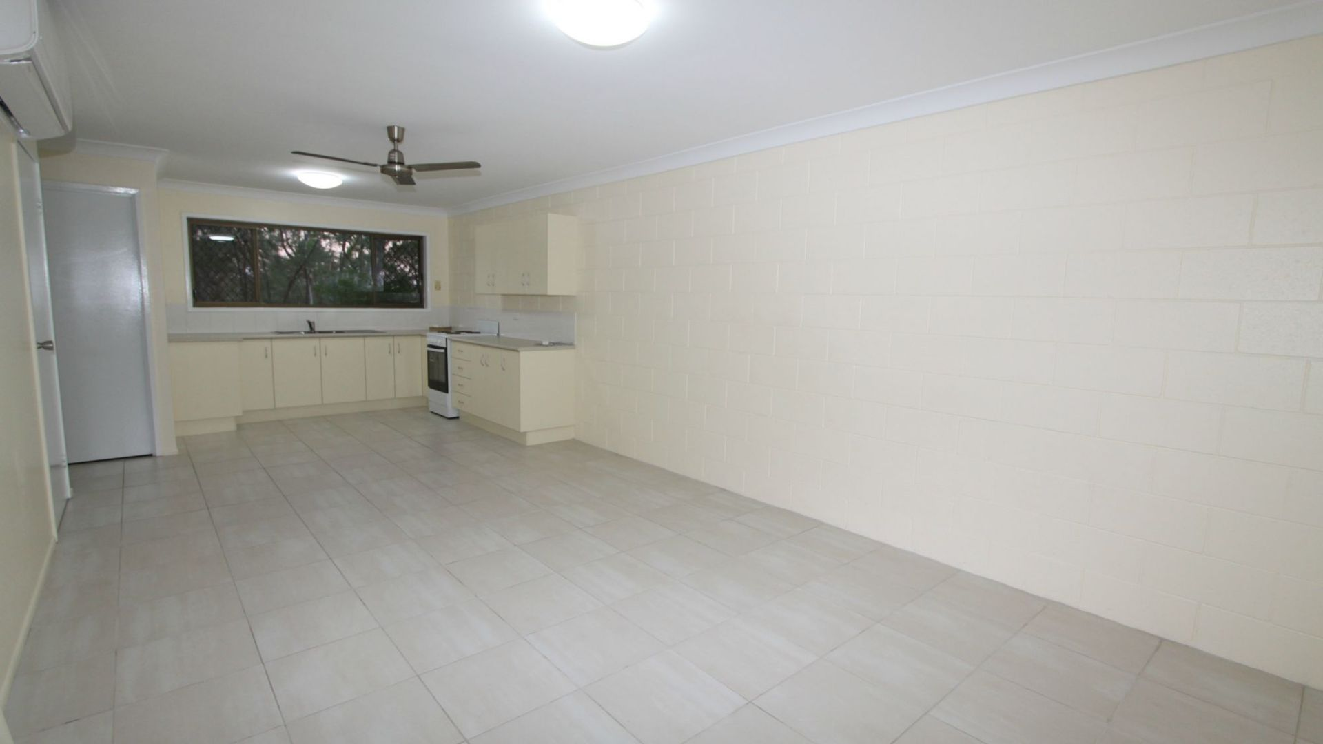 2/7 Snell Street, Koongal QLD 4701, Image 2