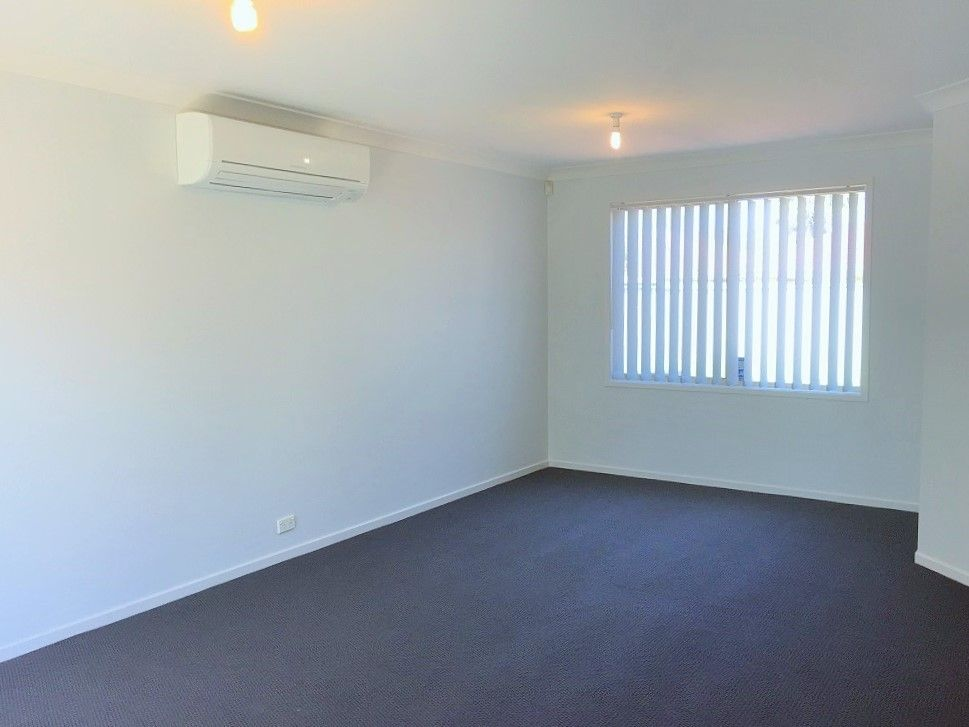 193 Pacific Palms Circuit, Hoxton Park NSW 2171, Image 2
