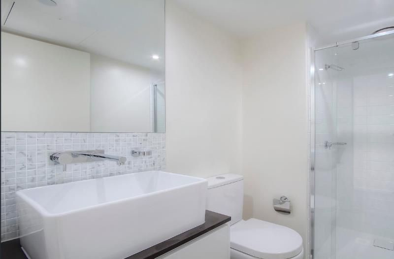 2106/8 Exploration Lane, Melbourne VIC 3000, Image 2