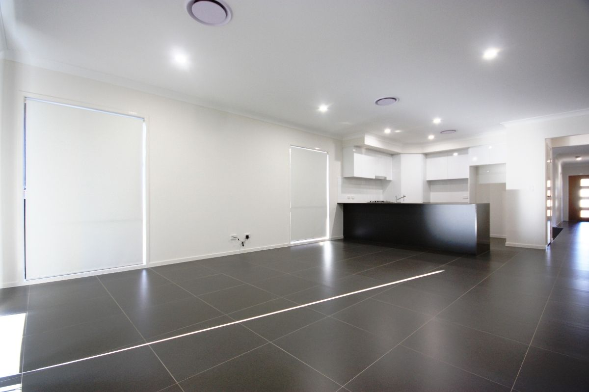 6 Willunga Street, Gregory Hills NSW 2557, Image 2