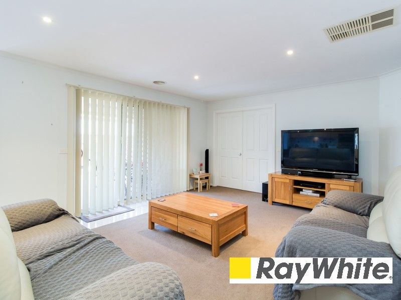 29 Meadowlands Way, Berwick VIC 3806, Image 1