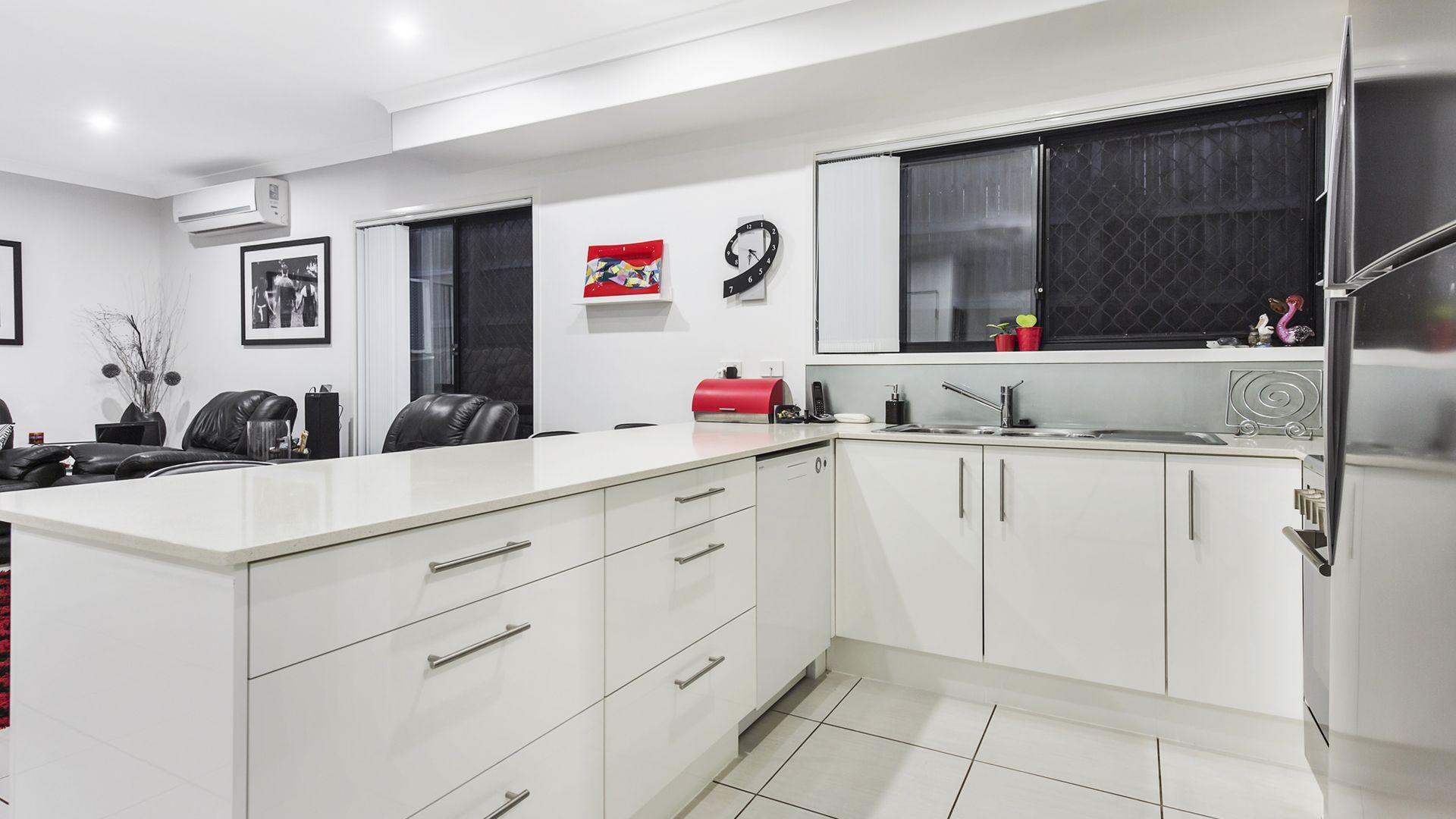 3/16 Hester Street, Shailer Park QLD 4128, Image 2