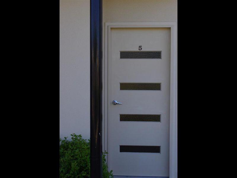 5/34 Poole Street, Bowen QLD 4805, Image 2