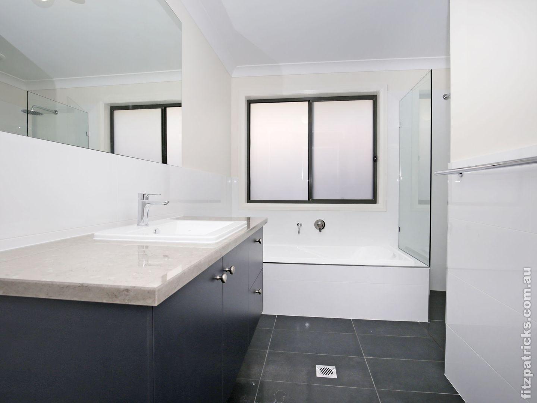 3/10 Waterhouse Avenue, Lloyd NSW 2650, Image 2