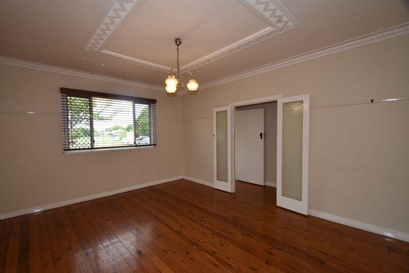 37 Gladstone Street, Newtown QLD 4350, Image 1