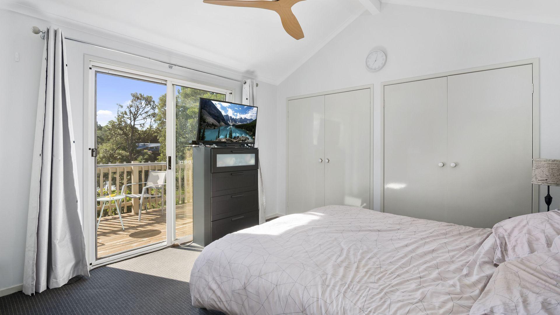 46 Jarrahdale Drive, Elanora QLD 4221, Image 2