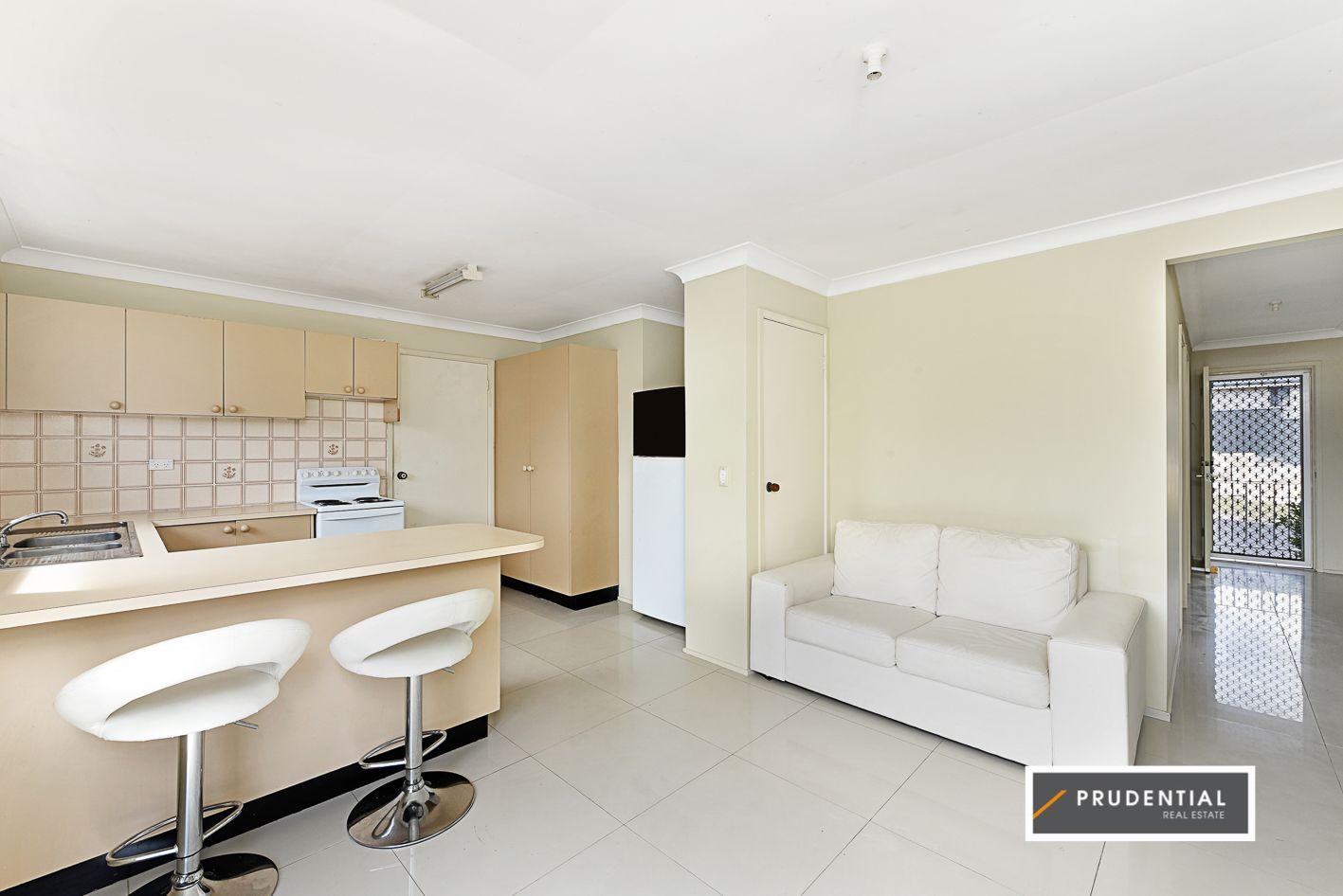 1/22 Aminya Crescent, Bradbury NSW 2560, Image 1