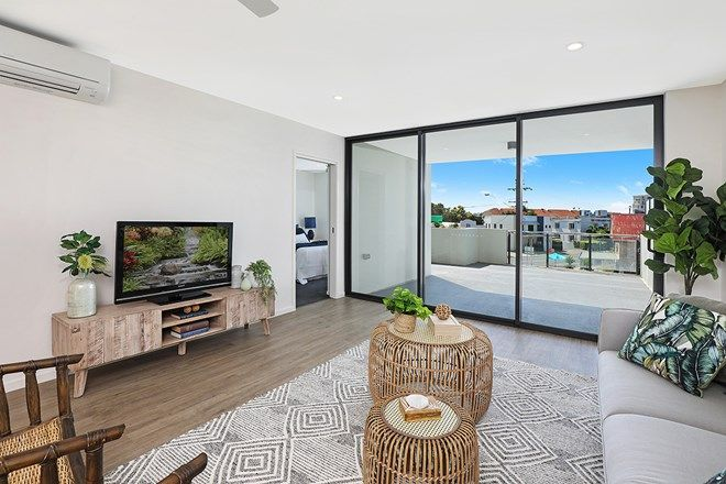 Picture of 20 Beach Road, MAROOCHYDORE QLD 4558