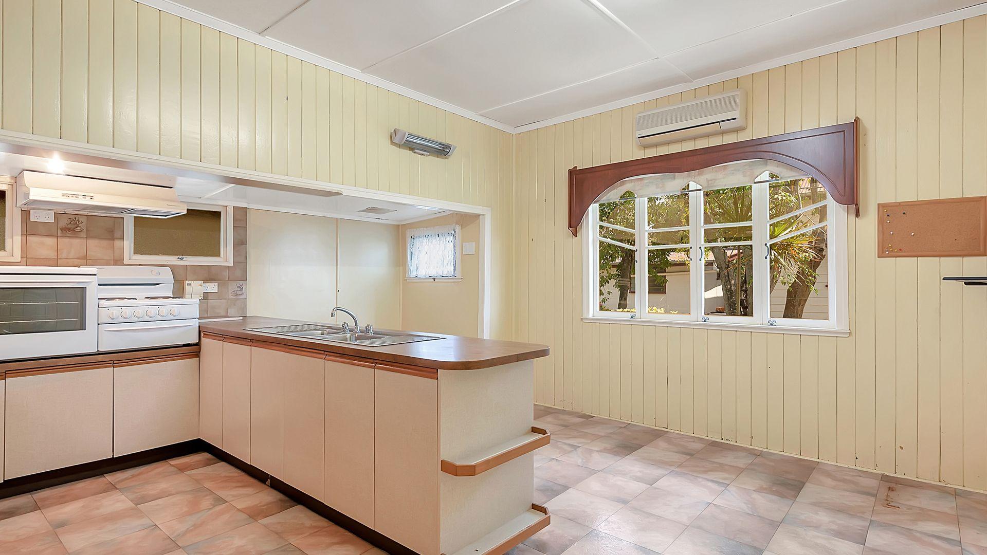 37 Abbotsford Street, Toogoolawah QLD 4313, Image 2