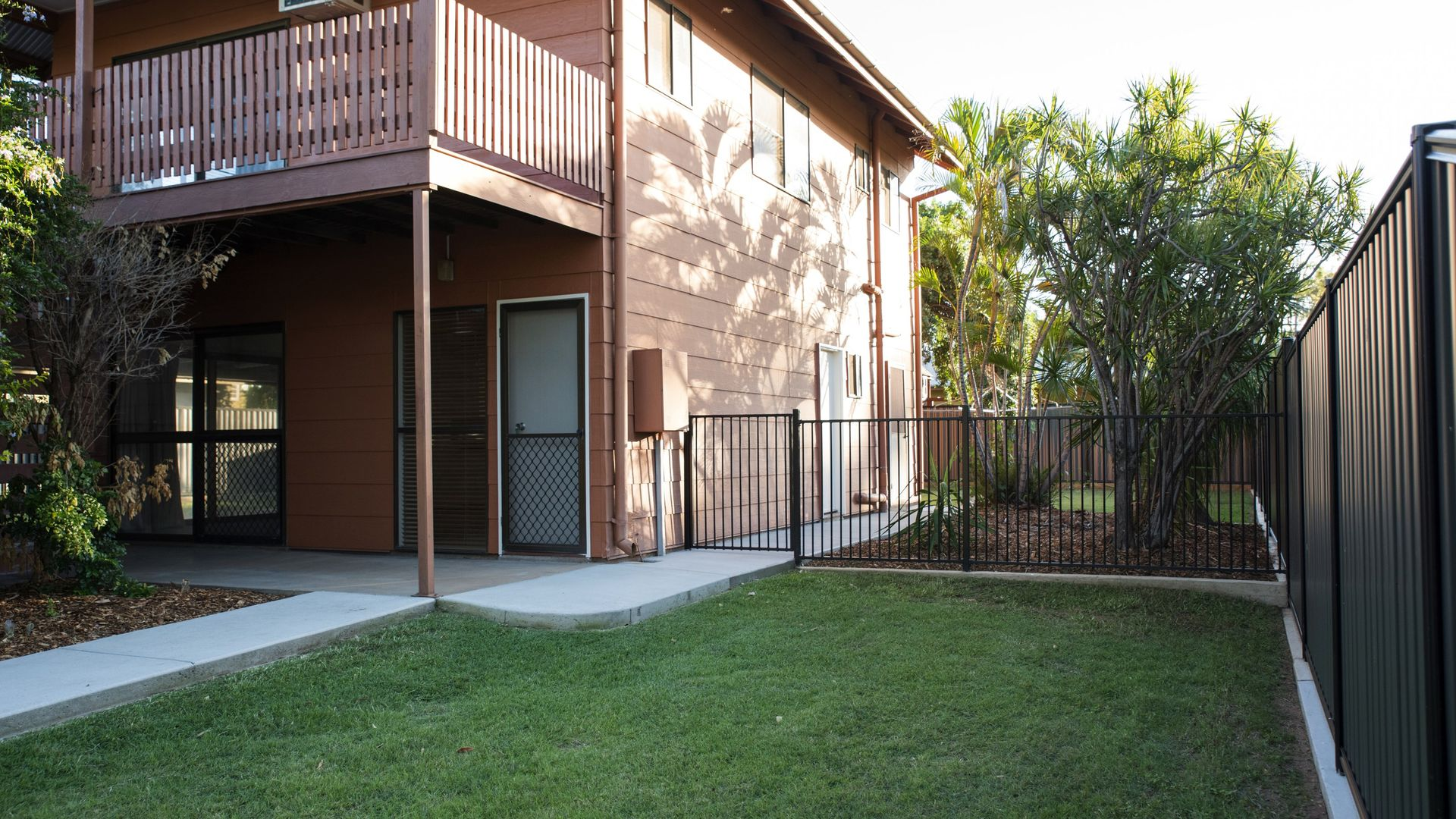 19 Walsh Ave, Blackwater QLD 4717, Image 2