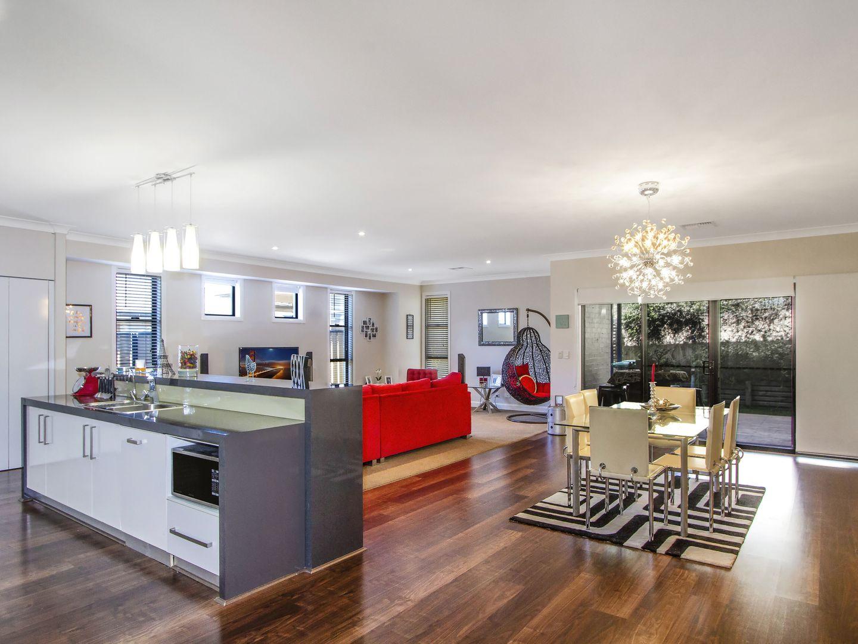 240 Johns Road, Wadalba NSW 2259, Image 1
