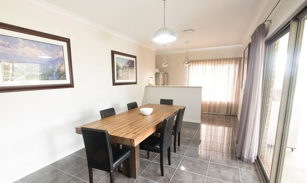 2 Kerry View Ct , Forest Hill QLD 4342, Image 2