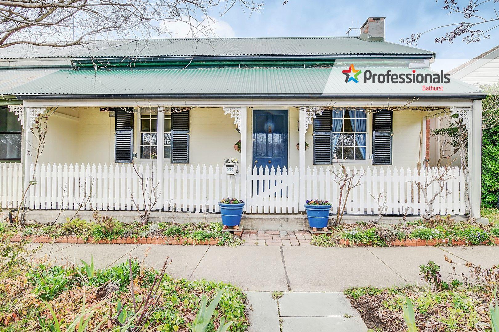 28 Rankin Street, Bathurst NSW 2795, Image 0