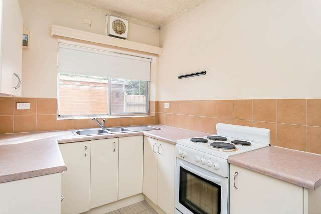 1/16 Russell Street East, Rosewater SA 5013, Image 2