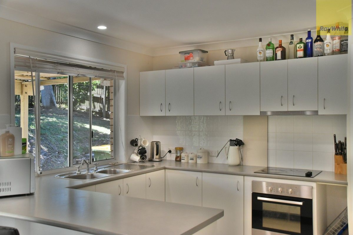 6 Magenta Court, Mount Warren Park QLD 4207, Image 2