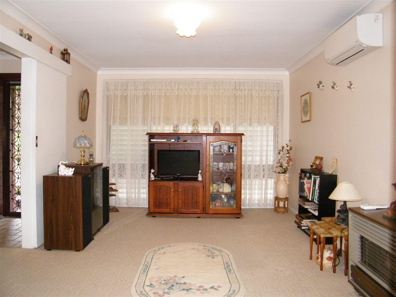 57 Nowland Avenue, Quirindi NSW 2343, Image 2