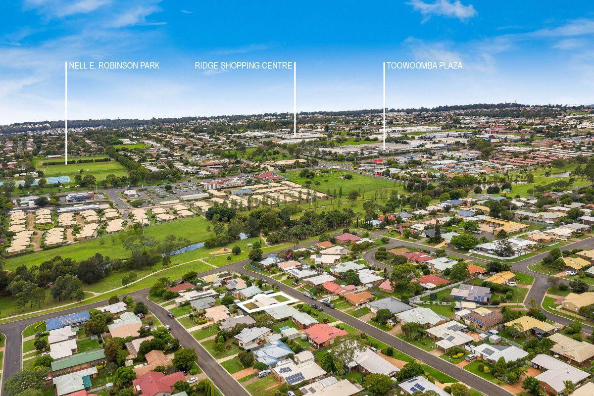 7 McIvor Street, Kearneys Spring QLD 4350, Image 2