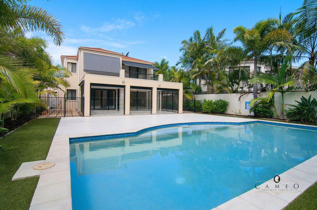 8395 Magnolia Drive, Hope Island QLD 4212, Image 1