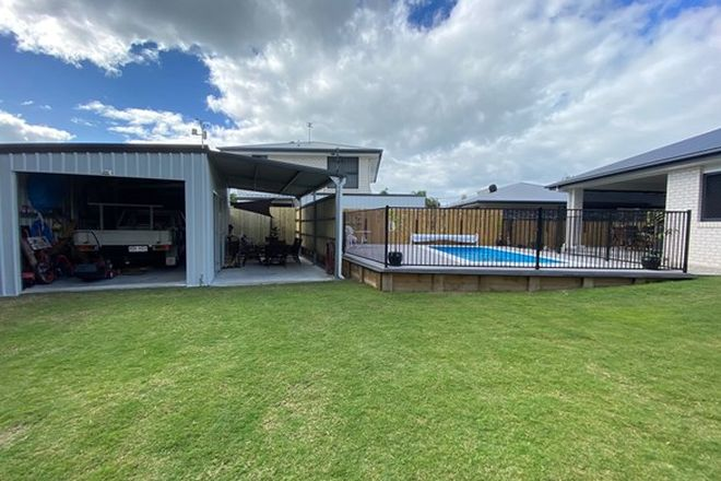 Picture of 18 Cunningham Street, TORQUAY QLD 4655