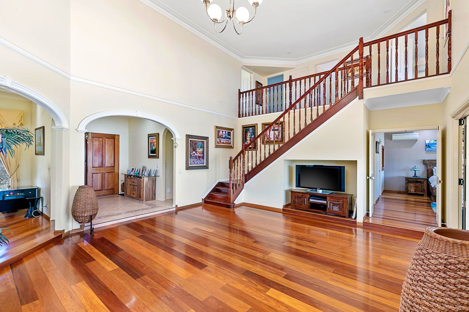 44 Sommersea Drive, Raby Bay QLD 4163, Image 2