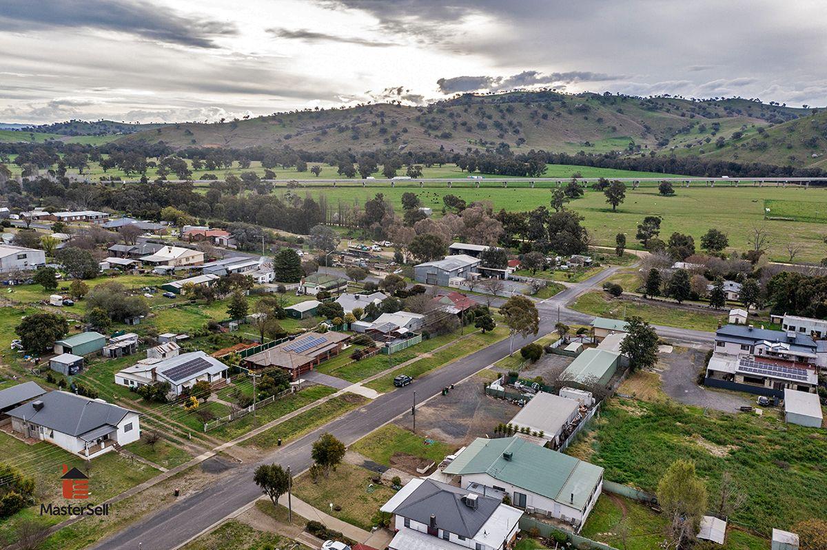 23 Ridge Street, Gundagai NSW 2722, Image 2