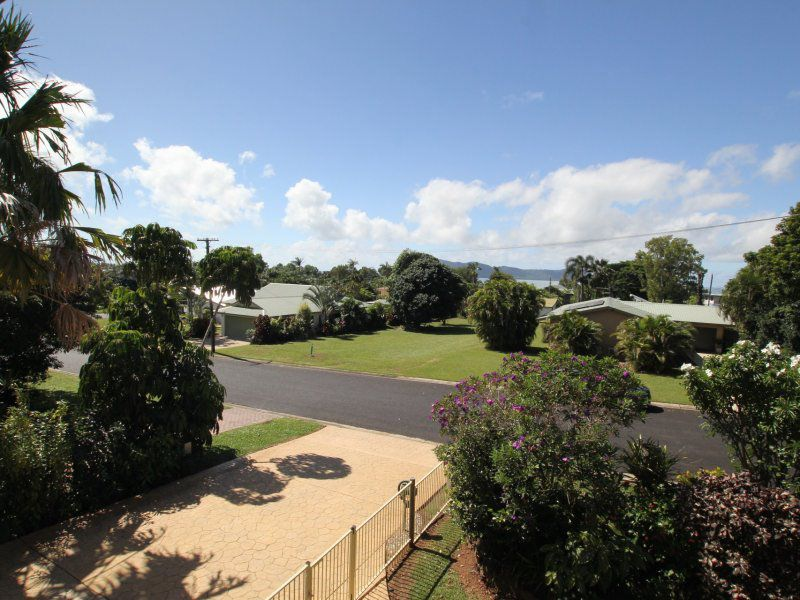 9 Leslie Lane, South Mission Beach QLD 4852, Image 1