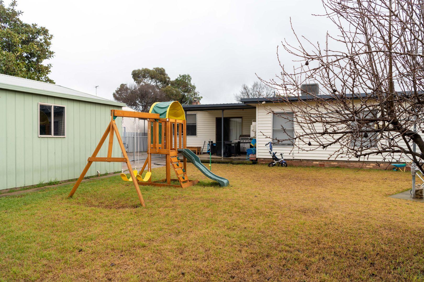 208 Hovell Street, Cootamundra NSW 2590, Image 2