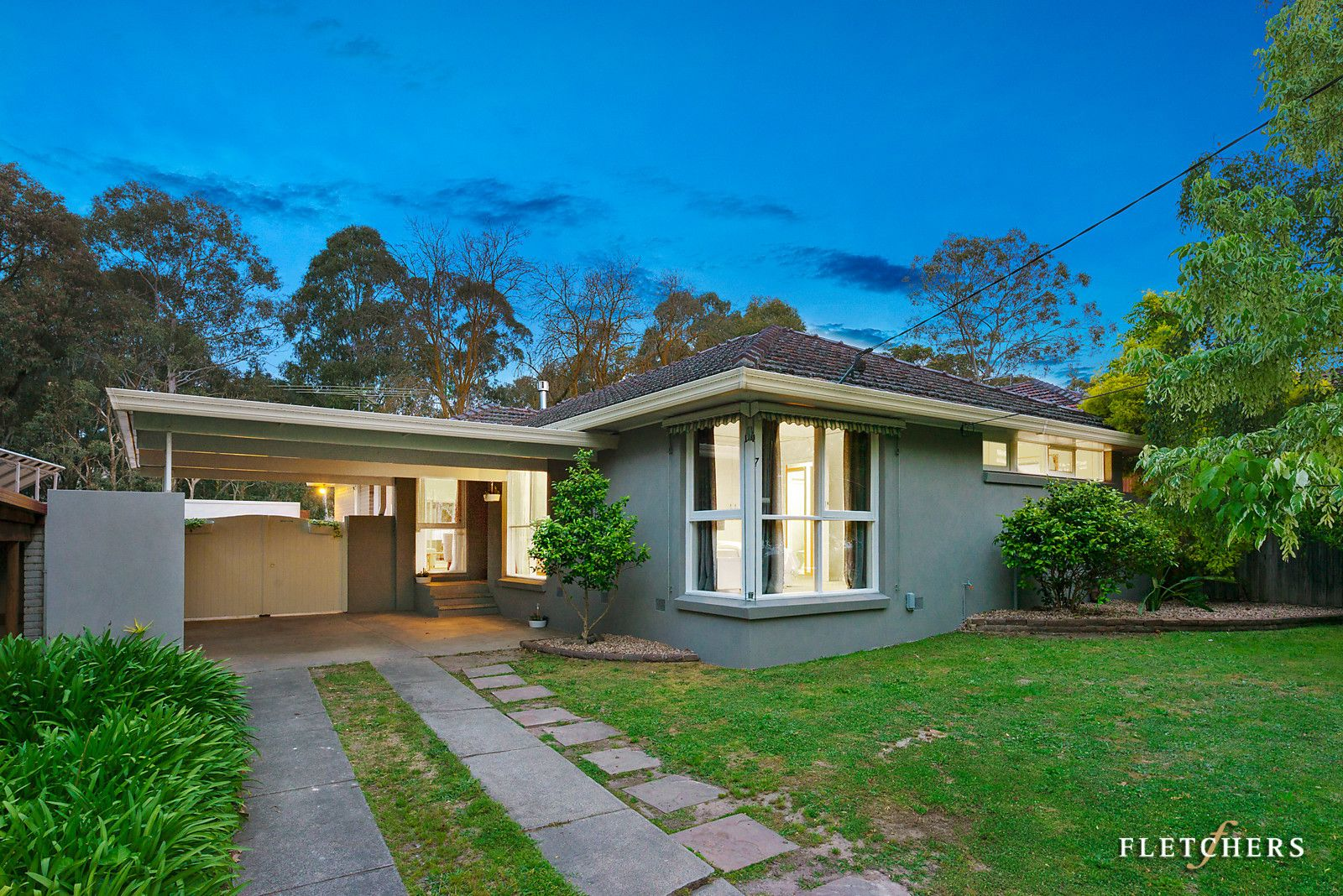 7 Kent Close, Blackburn North VIC 3130, Image 2