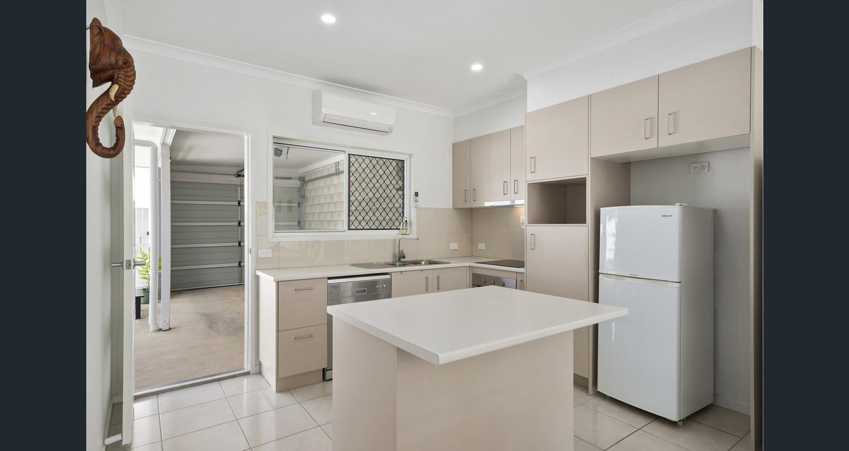 1/6 Gympie Street North, Landsborough QLD 4550, Image 0