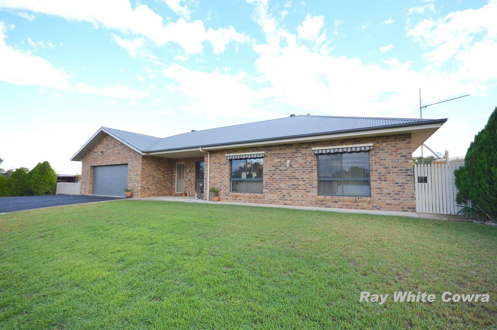 50 Dawson Drive, Cowra NSW 2794, Image 0