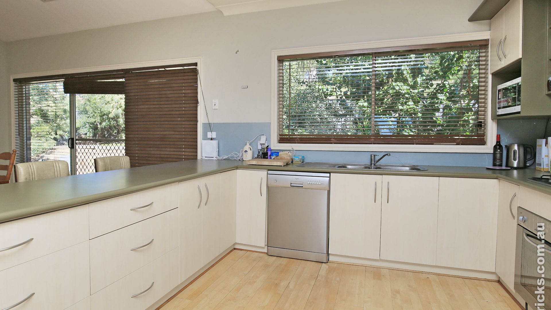 18 Stellway Close, Kooringal NSW 2650, Image 2