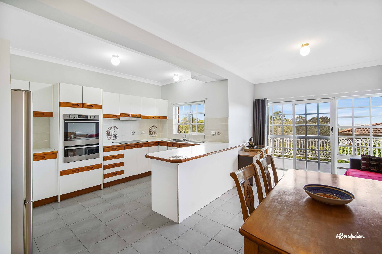 104a Derribong  Drive, Cordeaux Heights NSW 2526, Image 2