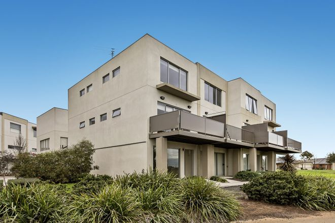 27/1 Clearwater Rise Parade, TRUGANINA VIC 3029