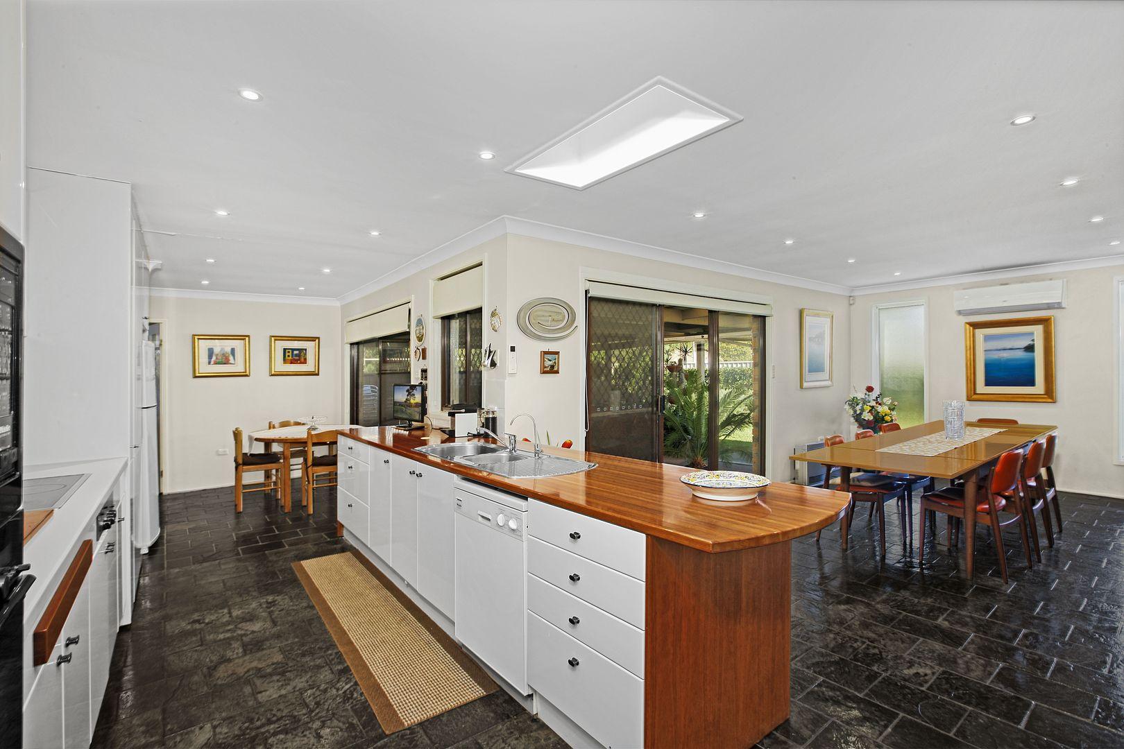 6 Kingston Place, Abbotsbury NSW 2176, Image 1