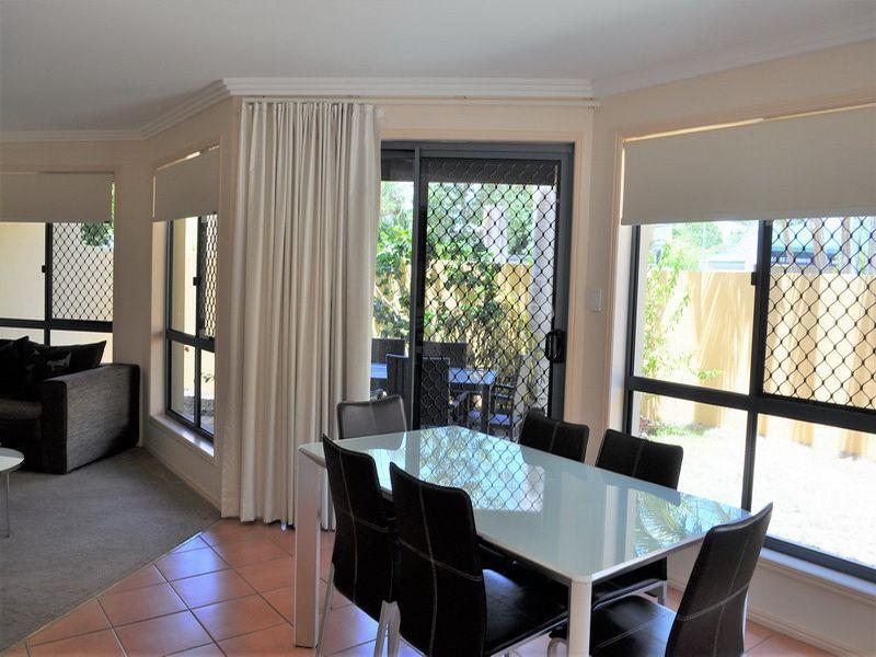 13/33 Elizabeth Street, Urangan QLD 4655, Image 2