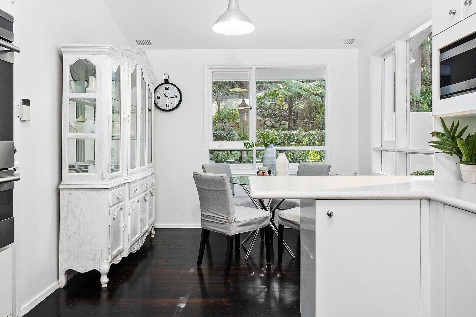 17 Cassandra Avenue, St Ives NSW 2075, Image 2