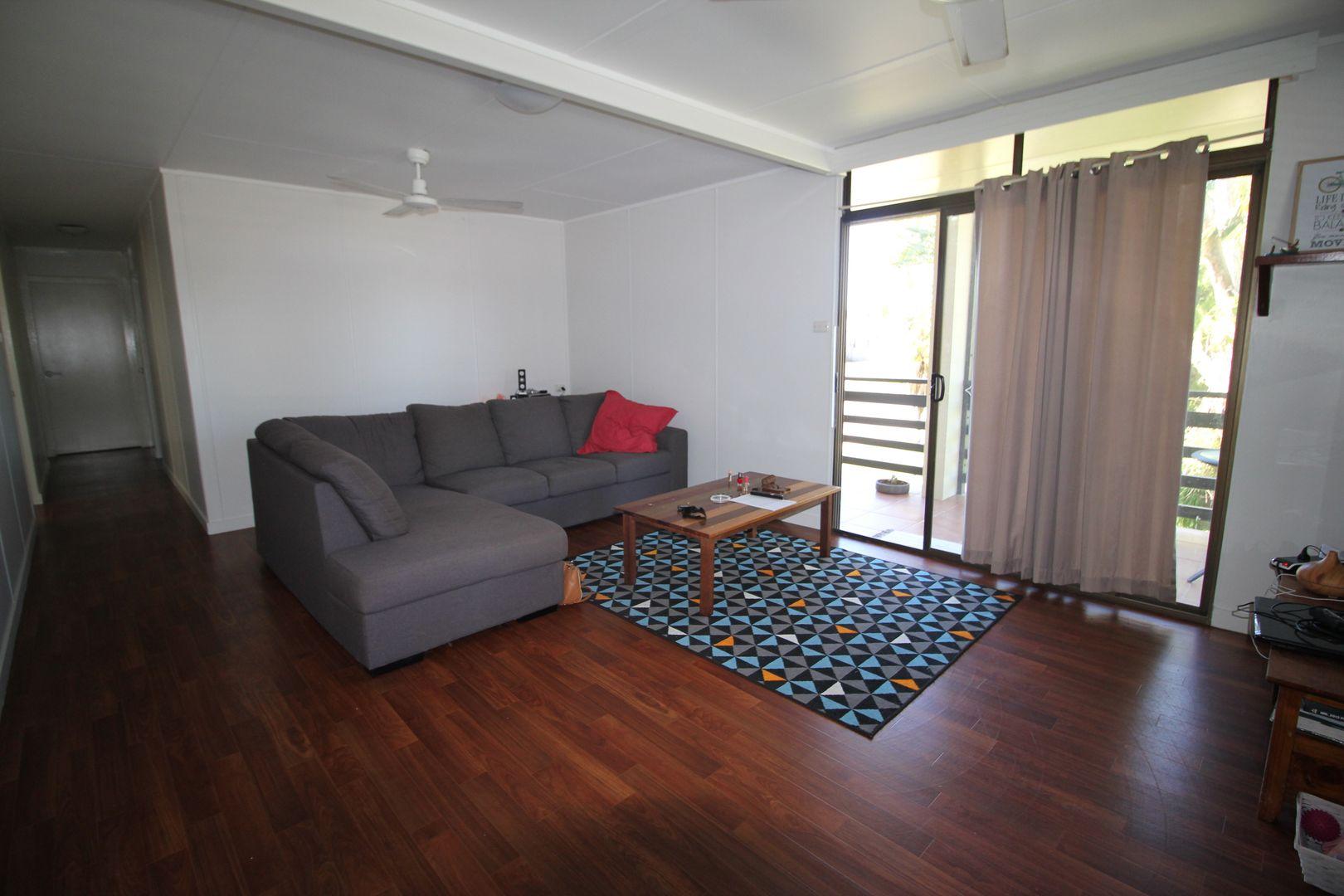 111 John Dory Street, Taylors Beach QLD 4850, Image 2