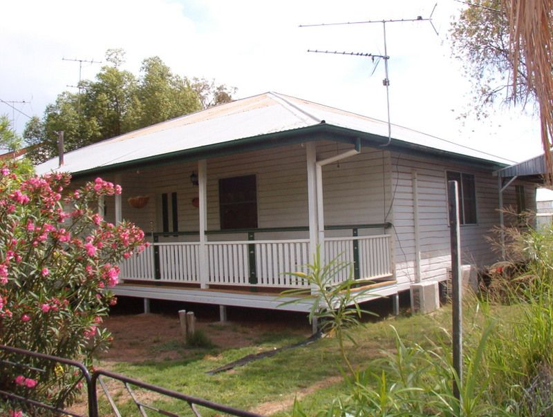 4 Sturt Street, Charleville QLD 4470, Image 0