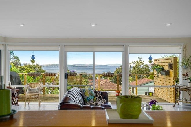 Picture of 22 Calder Crescent, BLACKMANS BAY TAS 7052