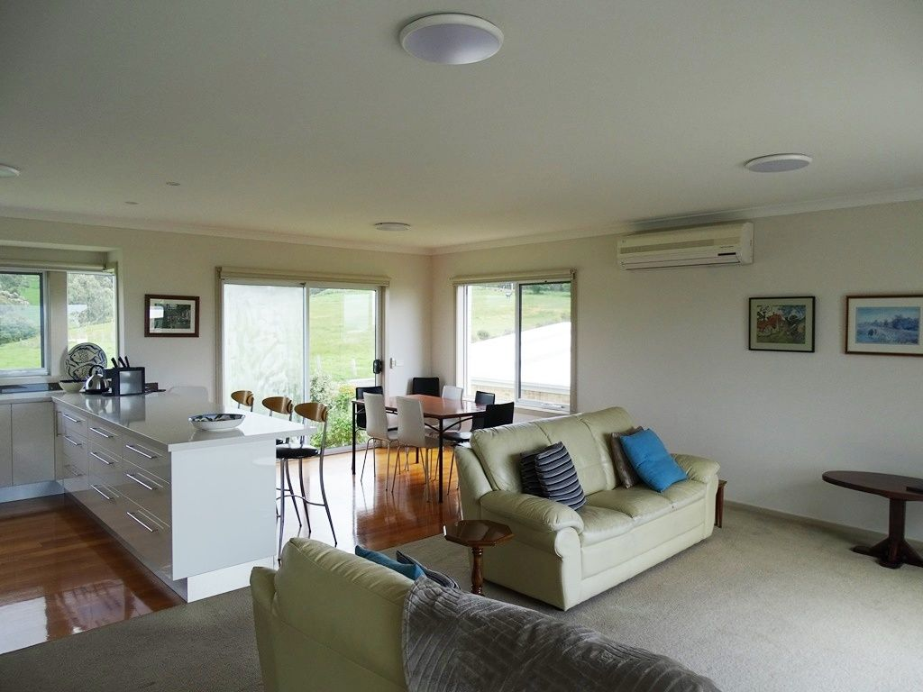 11 Nova Court, Apollo Bay VIC 3233, Image 2