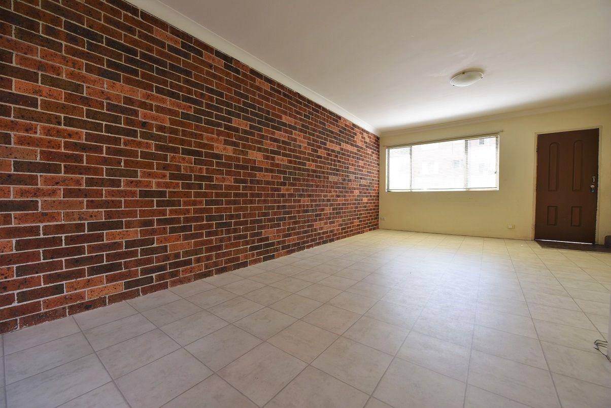 2/16 Wrentmore Street, Fairfield NSW 2165, Image 1