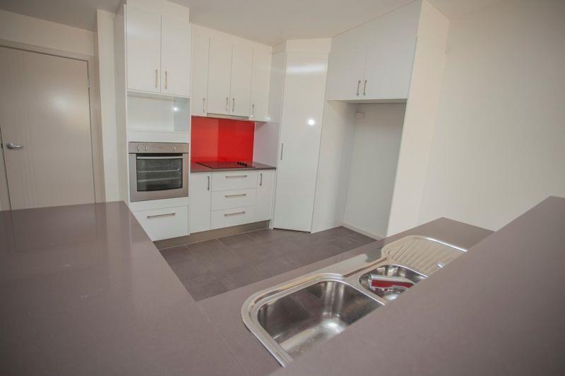 3/22 Pine Street, Miles QLD 4415, Image 1