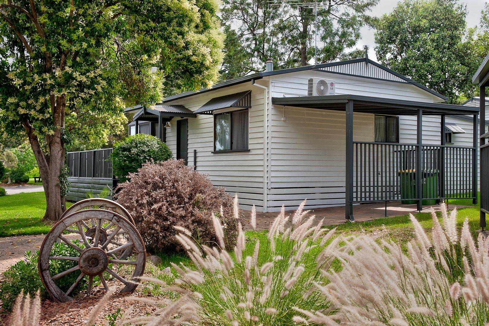 30 Whitebark Way, Lake Hume Village NSW 2640, Image 0