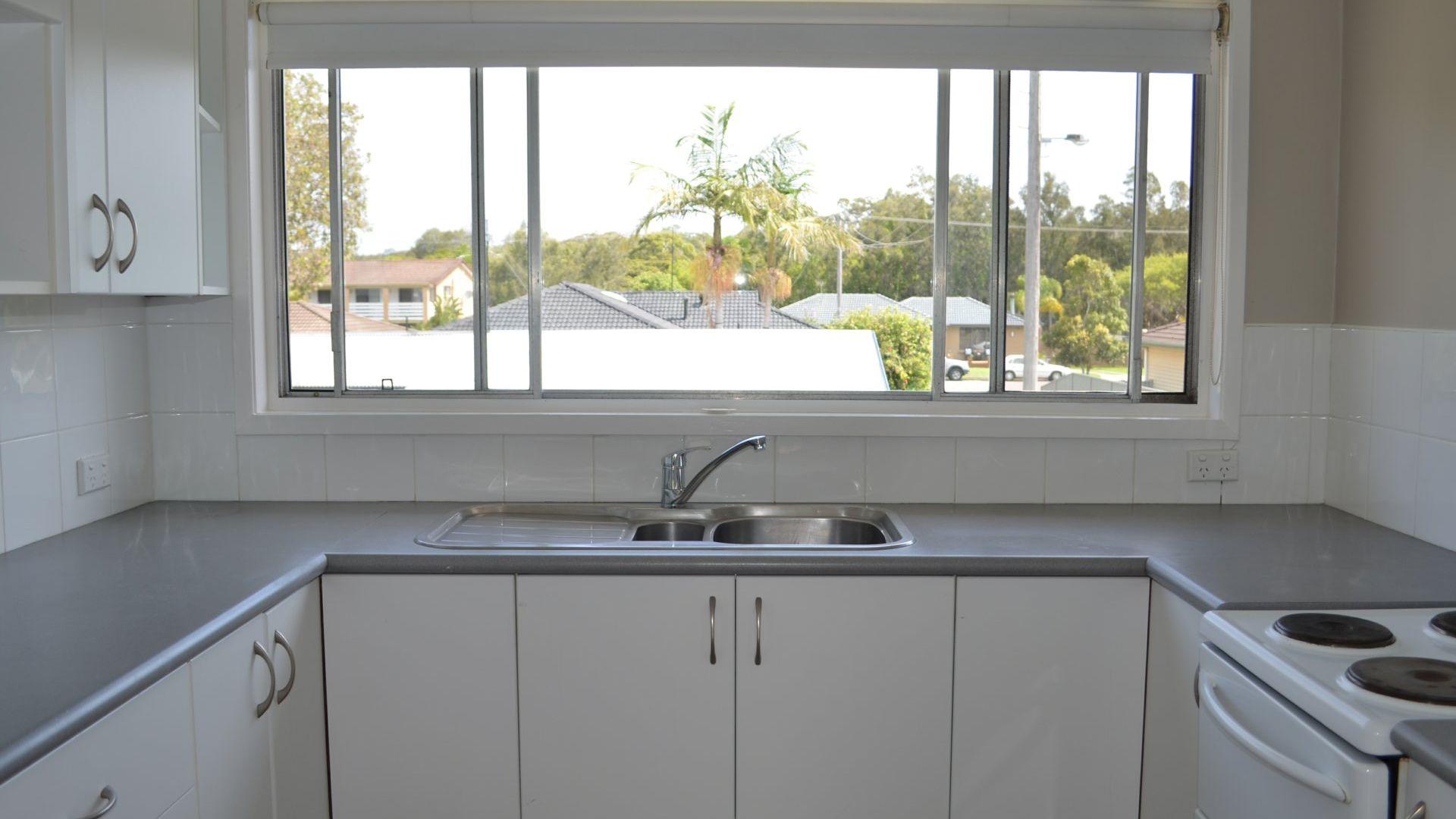 18 Yimbala Street, Killarney Vale NSW 2261, Image 2