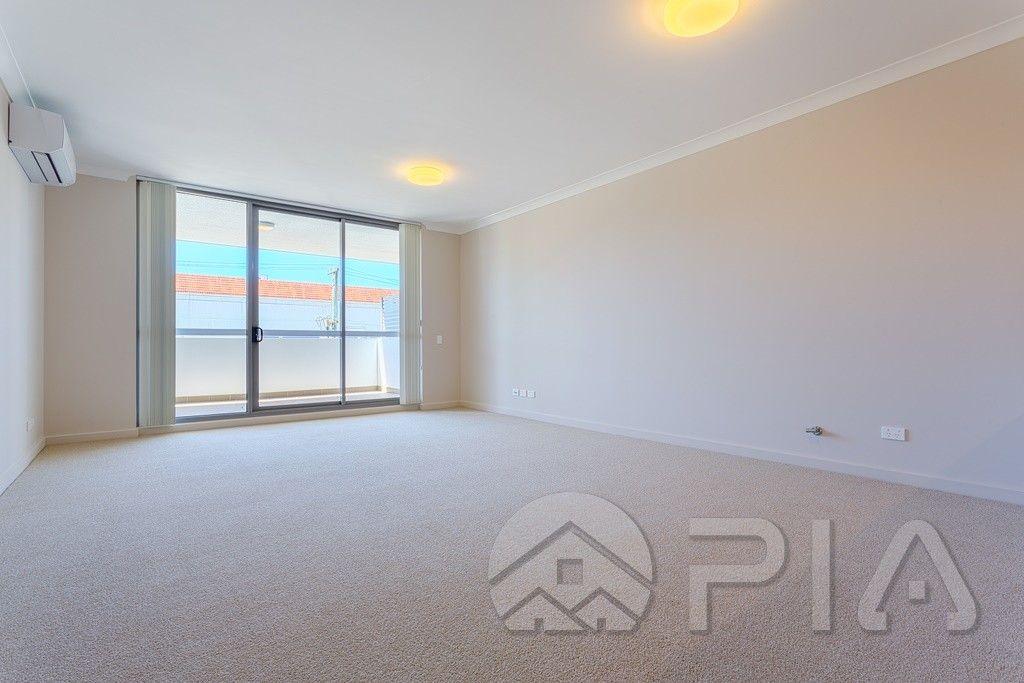 20/1 Meryll Avenue, Baulkham Hills NSW 2153, Image 2