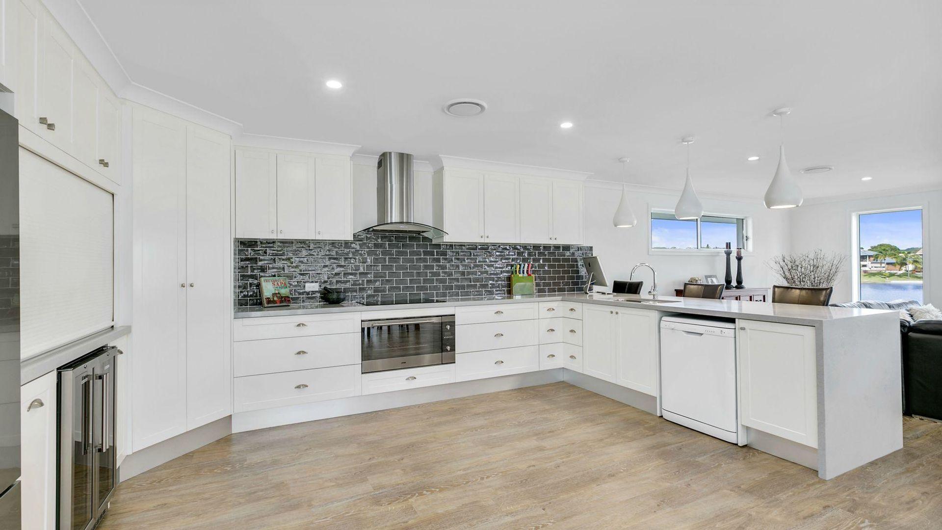 30 Honeyeater Drive, Burleigh Waters QLD 4220, Image 2