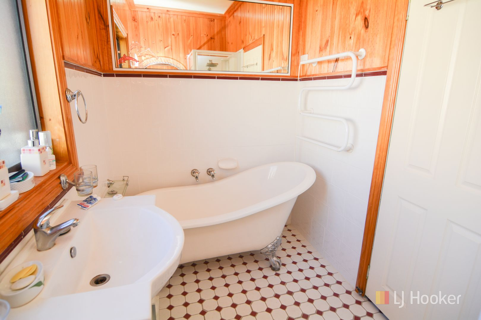 28 Hassans Walls Road, Lithgow NSW 2790, Image 2