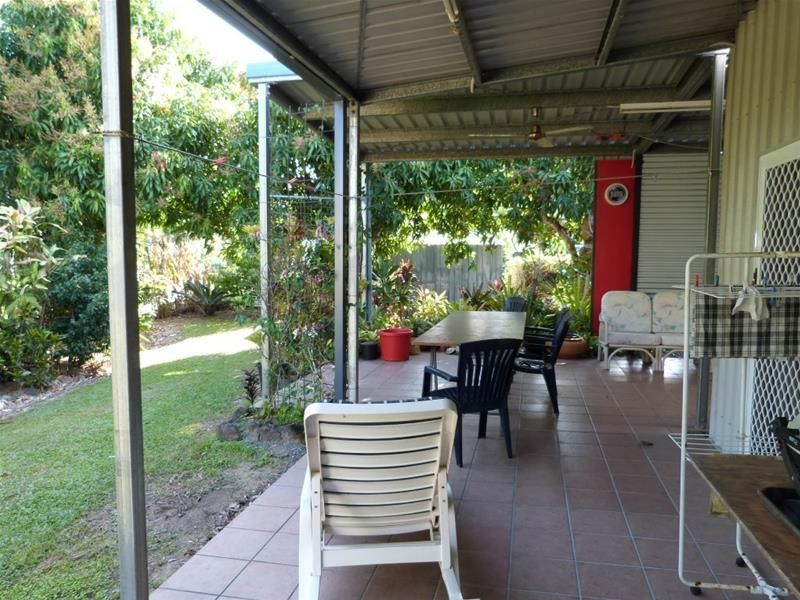 28 Melaleuca Drive, Tully Heads QLD 4854, Image 1