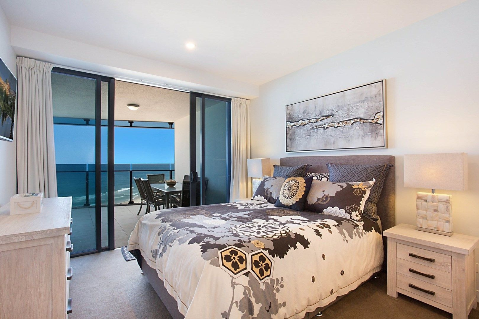 1102/4 The Esplanade, Surfers Paradise QLD 4217, Image 2
