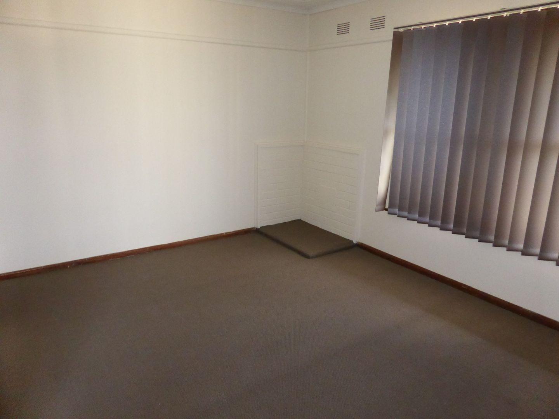 2/3 Buchan Avenue, Singleton NSW 2330, Image 2
